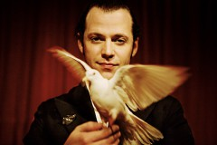 Julien Dauphin med magisk fågel
