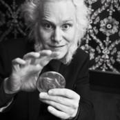 Magiker med stort mynt