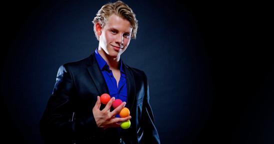 Felix Jansson med bollar