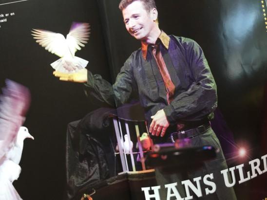 Hans Ulrik med duvor