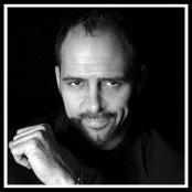 Mörkt porträtt av den amerikanske magikern Gregory Wilson